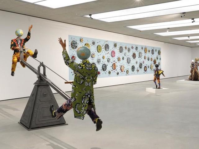 Balanceakte gegen die Ungerechtigkeit im Museum der Moderne