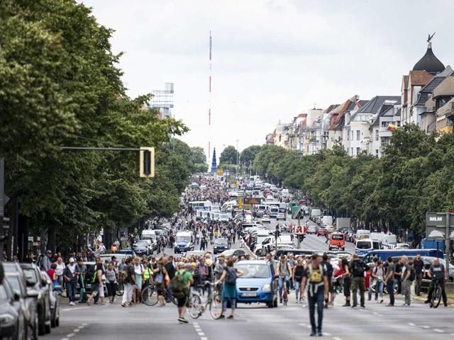 Querdenken in Berlin: Mann kollabiert bei Protesten und stirbt