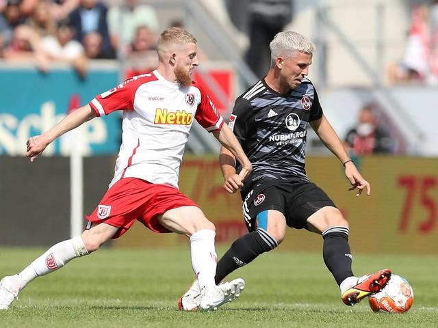 2. Bundesliga: Jahn Regensburg gegen 1. FC Nürnberg: 2:2, 6. Spieltag