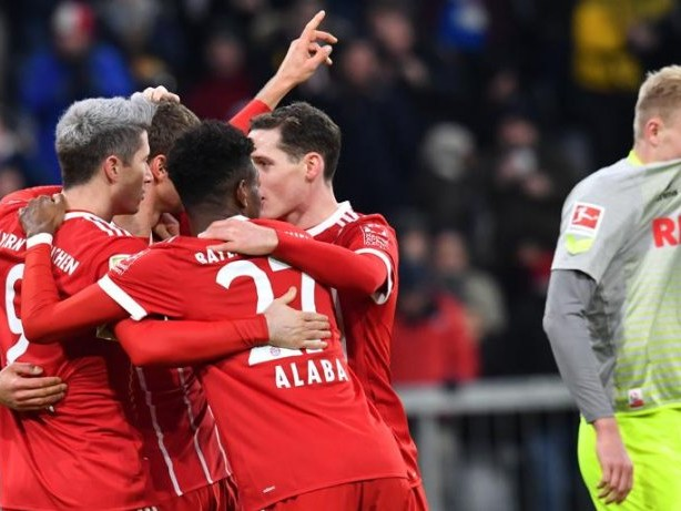 Bundesliga: Bayern mit neun Punkten Vorsprung - Schalke erster Verfolger