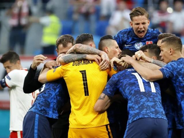 1:2 gegen die Slowakei: Polen sieht Rot und erleidet EM-Fehlstart