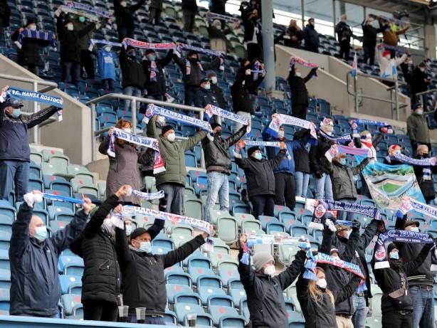 FC Schalke 04: Schalke in Rostock: Ärger wegen Zuschauerbegrenzung