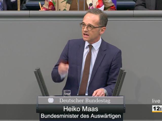 Migrationspakt: Bei dieser Aussage von Maas über die AfD muss Merkel lachen