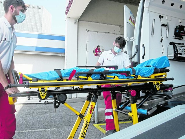Rettungsdienst: Ein Jahr im Pandemie-Einsatz