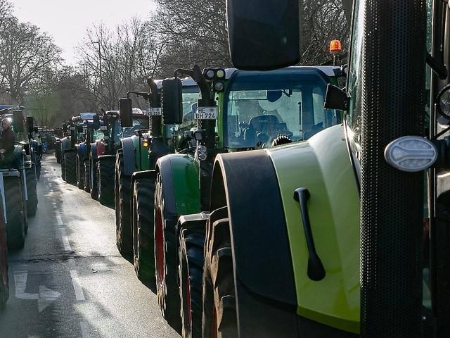 Traktordemos in ganz Deutschland: Was die Bauern auf die Straße treibt