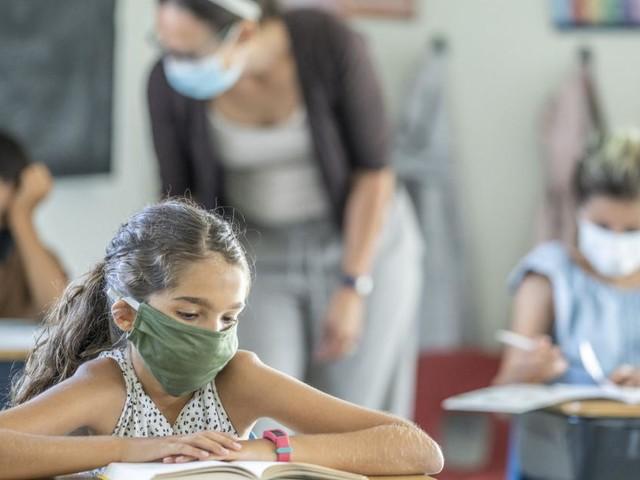 """""""Zeit geht uns aus"""": Tests auf Infektionen in Schulen wohl länger nötig"""