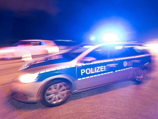 Dingolfing in Bayern: Fremder soll Frau auf offener Straße vergewaltigt haben