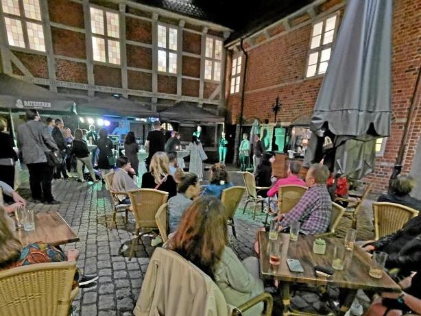 """Neueröffnung: Schlossrestaurant: """"Der Laden, der Bergedorf gefehlt hat"""""""