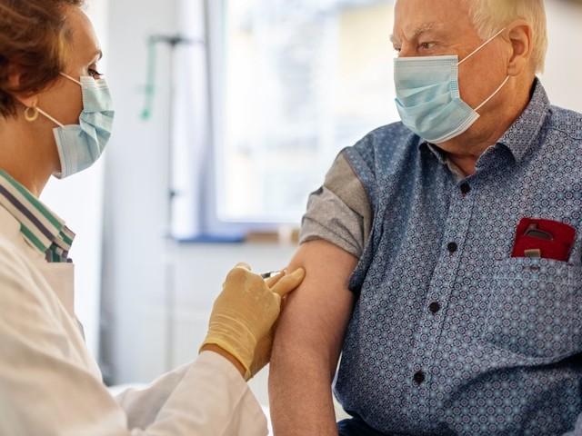 Corona: Wie sich ein zugelassener Impfstoff auf die weitere Forschung auswirken könnte