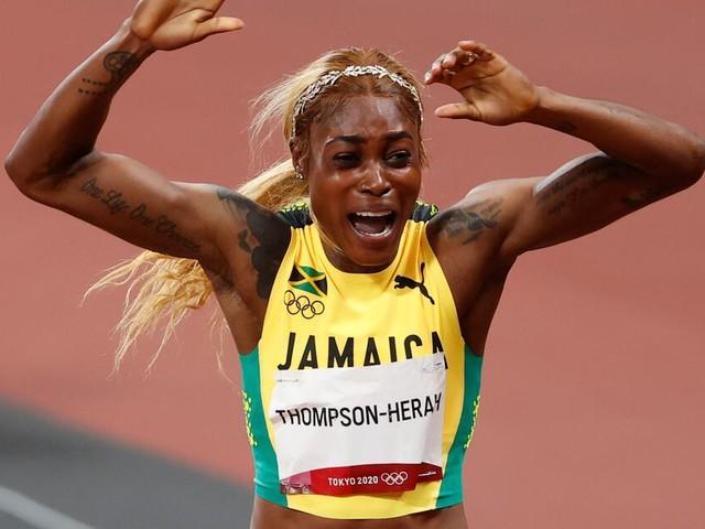 Thompson-Herah holt Gold über 100 Meter und lässt ihre Erzrivalin hinter sich