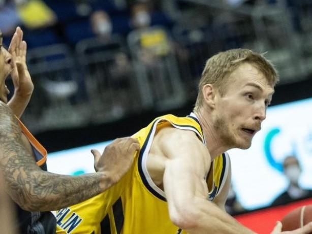 Basketball: Vor Wechsel nach Litauen: Alba bangt um Verbleib von Giffey