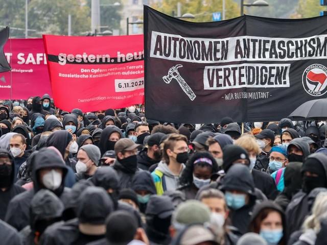 Tausende Demonstranten fordern Freilassung von Lina E.