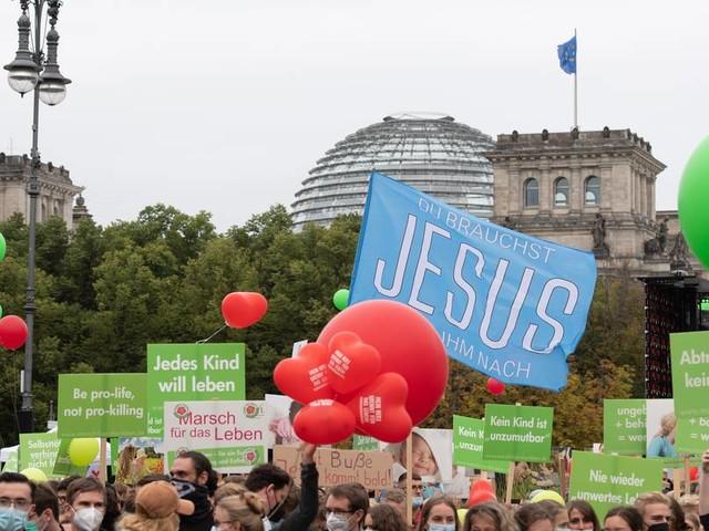 Streit um das Recht auf Schwangerschaftsabbrüche: Vergleiche mit dem Nationalsozialismus
