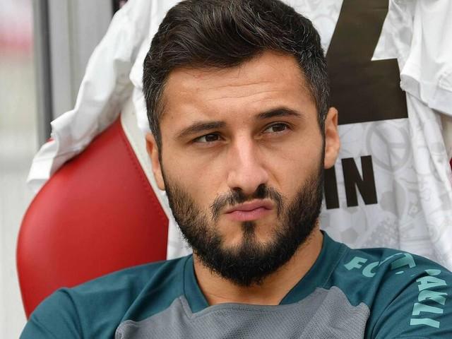 Cenk Sahin trainiert nach Auschluss von St. Pauli bei Basaksehir Istanbul
