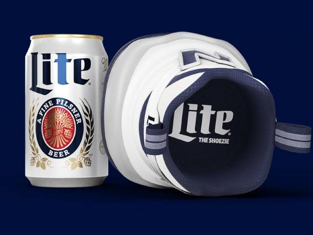"""New Balance und Miller Lite bringen """"Shoezie"""", den ersten Sneaker fürs Bier heraus"""