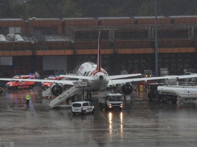 Turbulenzen vor Landeanflug: Eurowings-Maschine landet mit mehreren Verletzten in Tegel