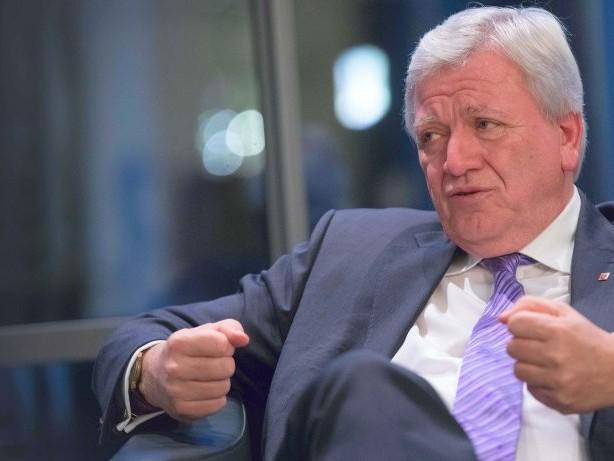 """Regierungsbildung: Volker Bouffier: """"Angela Merkel keine Vorsitzende auf Abruf"""""""