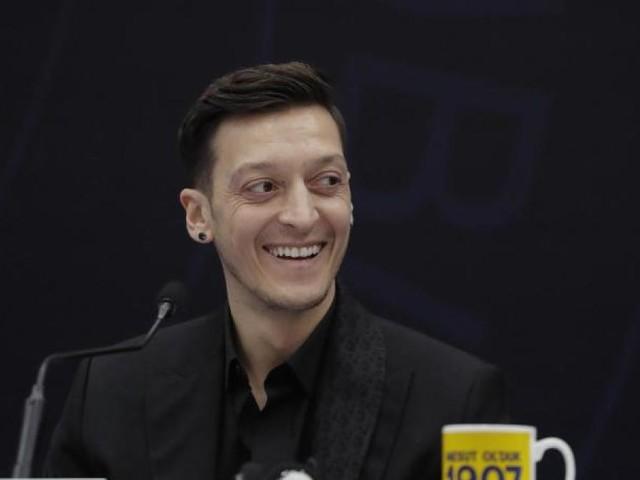 Özil drückt DFB-Elf gegen Frankreich die Daumen