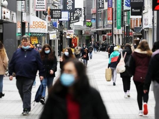 Corona-Pandemie - Bundesrat stimmt Lockerungen für Geimpfte und Genesene zu