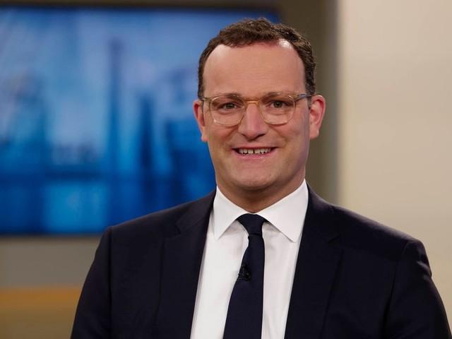 Jens Spahn lächelt dreiste Betrügereien in Testzentren weg