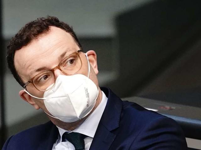 """Corona in Deutschland: Spahn kündigt mehr Freiheiten für vollständig Geimpfte an - Kommt """"Mega-Lockdown""""?"""