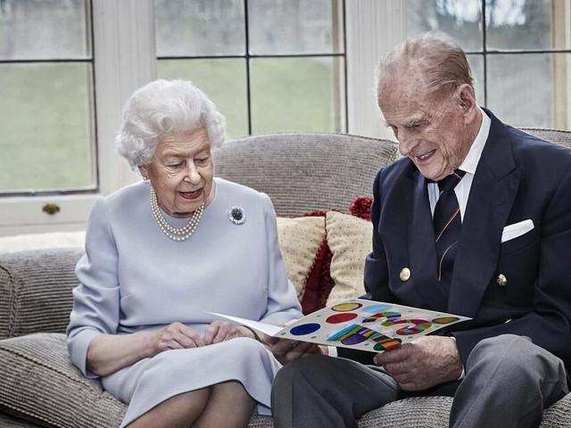 Dieses Hochzeitstagsgeschenk freut die Queen und Prinz Philip besonders