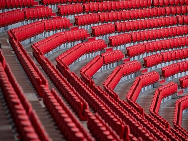 Corona-Krise: Zuschauer-Wirrwarr im Fußball: Clubs wollen vollere Stadien