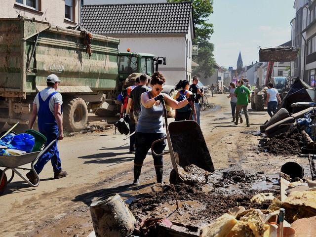 Flutkatastrophe | Krisenstab: Freiwillige Helfer sollen Katastrophengebiet Ahr schnell verlassen