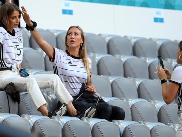 Stylisch ins Stadion: So stylisch sind Deutschlands Spielerfrauen im Stadion