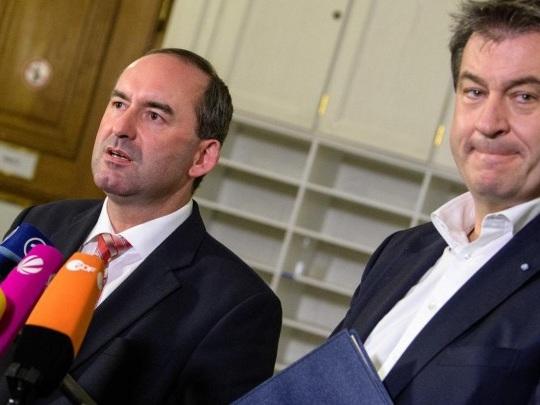 Corona-Impfungen - Bayerischer Wirtschaftsminister Aiwanger weist Söder-Äußerungen deutlich zurück