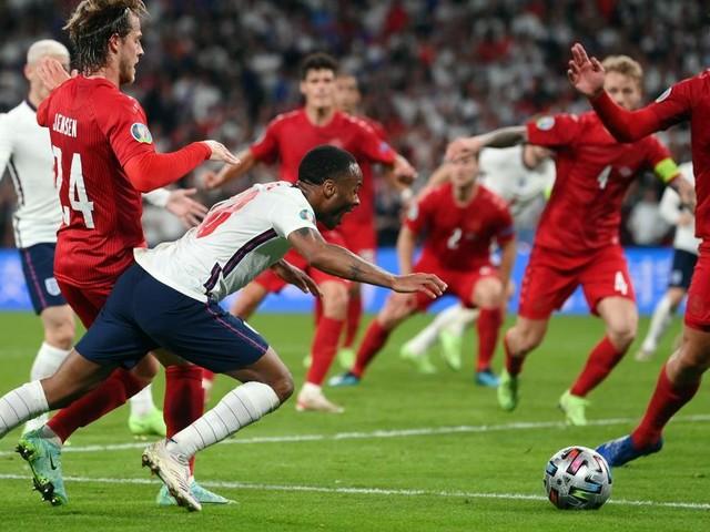 Elfmeter, oder nicht? Wirbel um Englands Siegtor gegen Dänemark