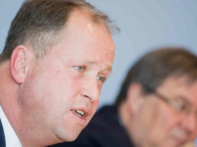 Erlass vorgestellt: NRW-Integrationsminister will bessere Bleibechancen für gut integrierte Ausländer