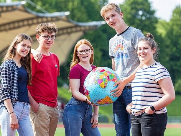 Auslandsjahr: Junge Leute gehen ein Jahr lang in Übersee zur Schule