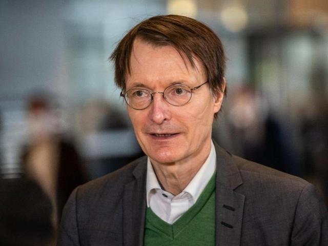 """Corona-Pandemie: Lauterbach räumt ein: """"Hendrik Streeck hatte voll recht"""""""