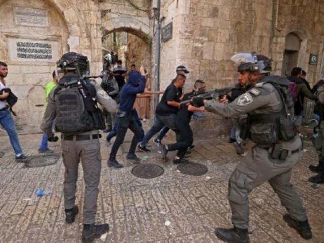 Hunderte Verletzte bei schweren Zusammenstößen in Ost-Jerusalem