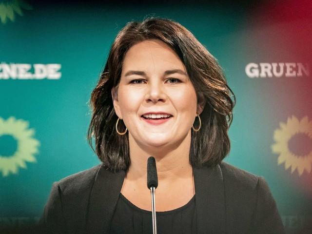 Umfrage zur Bundestagswahl: Grüne und Baerbock trotz Verlusten weiter vor allen anderen