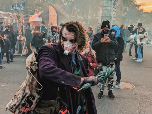 Movie Park Germany muss Corona-Regeln verschärfen: Maskenpflicht gilt nun parkweit