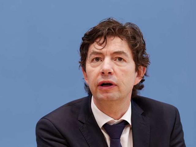 """Drosten über Corona-Impffortschritt in Deutschland besorgt: Drohen wieder """"schmerzhafte Eingriffe""""?"""