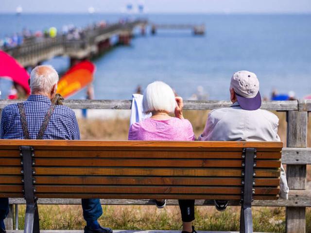"""Nach Corona-Lockdowns und Nullrunde: """"Ordentliches Plus"""" bei der Rente in Aussicht"""