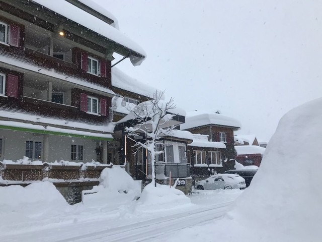 """Familie aus Singen in Balderschwang eingeschneit: """"Die Dörfer dort können mit Schnee umgehen"""""""