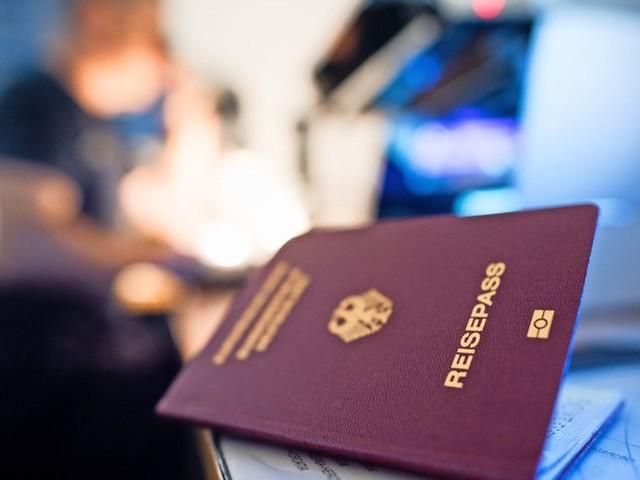 Zahl der Einbürgerungen sinkt wegen Corona und Brexit deutlich