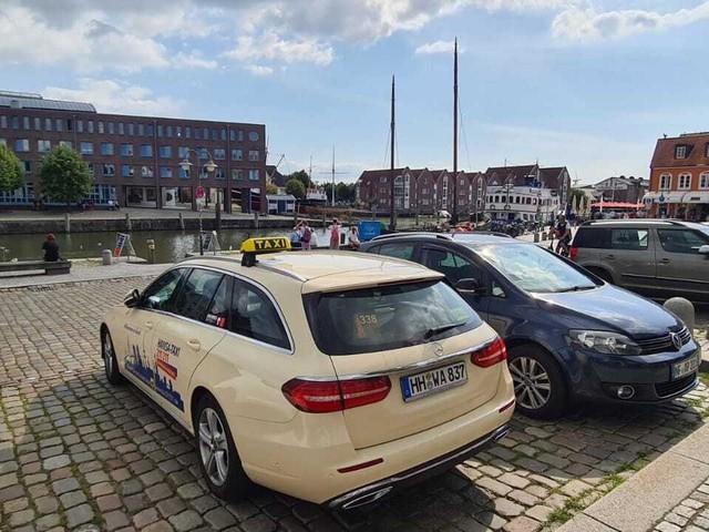 300 Euro für eine Fahrt: Hamburger Taxifahrer profitiert vom Bahnstreik