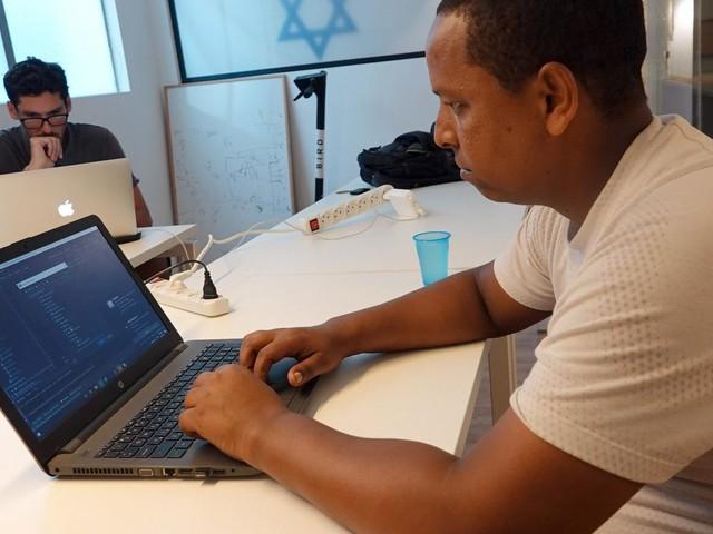 Programmierkurse für Asylbewerber: Coden für eine bessere Zukunft