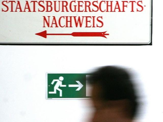 SPÖ-Vorstoß zum rot-weiß-roten Pass: Was ist dran an der Kritik?