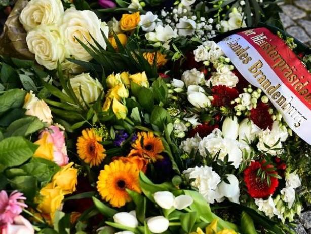 Kriminalität: Schweigeminute und Andacht für die vier toten Heimbewohner