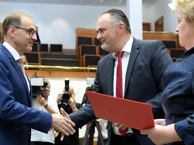 SPÖ-Landesrat Schneemann auch mit Oppositionsstimmen gewählt