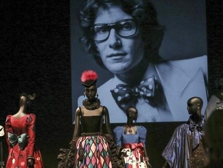 Yves Saint Laurent im Museum: Ein Hochamt für den Heiland der Haute Couture