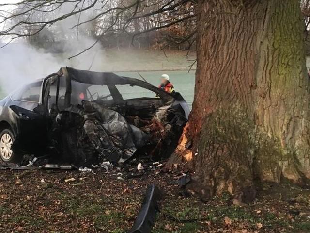 Gladenbach: Mann verbrennt in seinem Auto