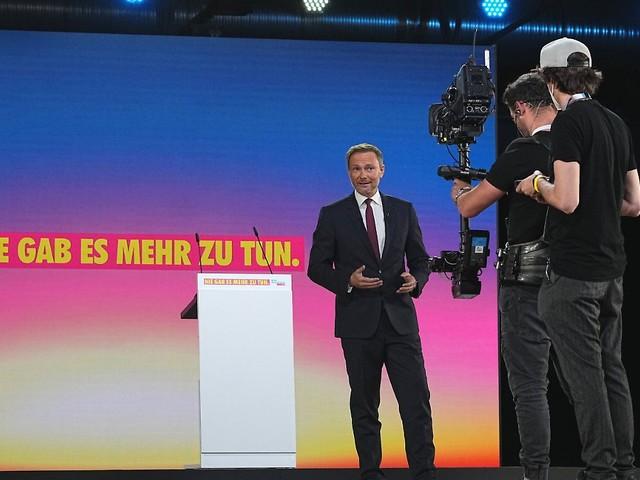 Auftakt zum FDP-Parteitag: Lindner will milde Lockdown-Alternativen