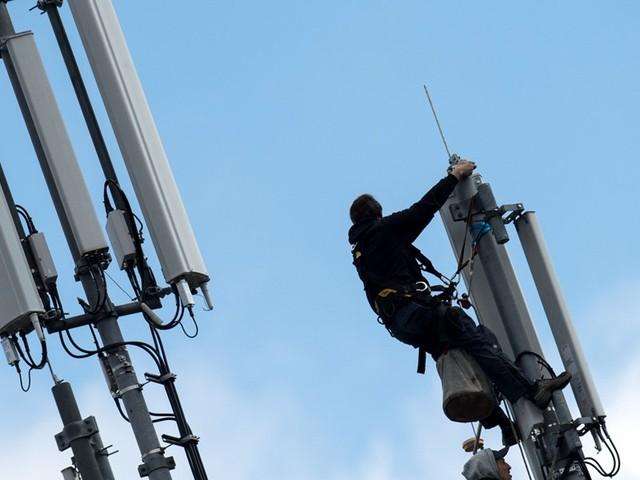 Schweizer Telekomkonzern Sunrise muss um Milliardenübernahme zittern